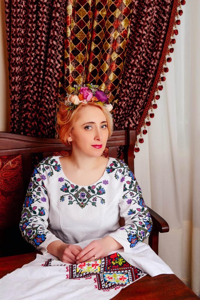 """Уляна Яцишин: """"Вишивка додає вбранню особливої душі"""""""