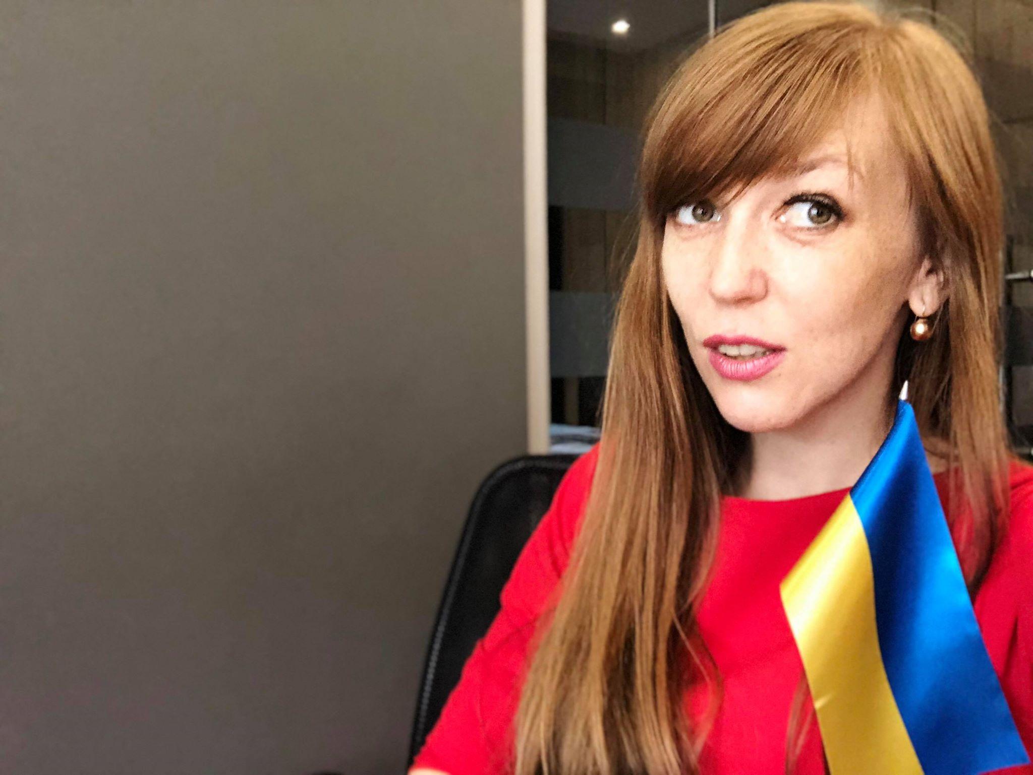 """Ганна Крисюк  """"В Україні багато сильних жінок-політиків 596eb5eb54159"""