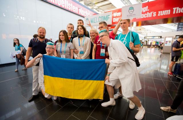 Українські школярі на міжнародних олімпіадах з фізики та хімії здобули 9 медалей