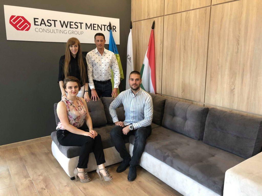 """Компанія """"East West Mentor UA"""" виступає партнером форуму української молоді діаспори «Київ 2018»"""
