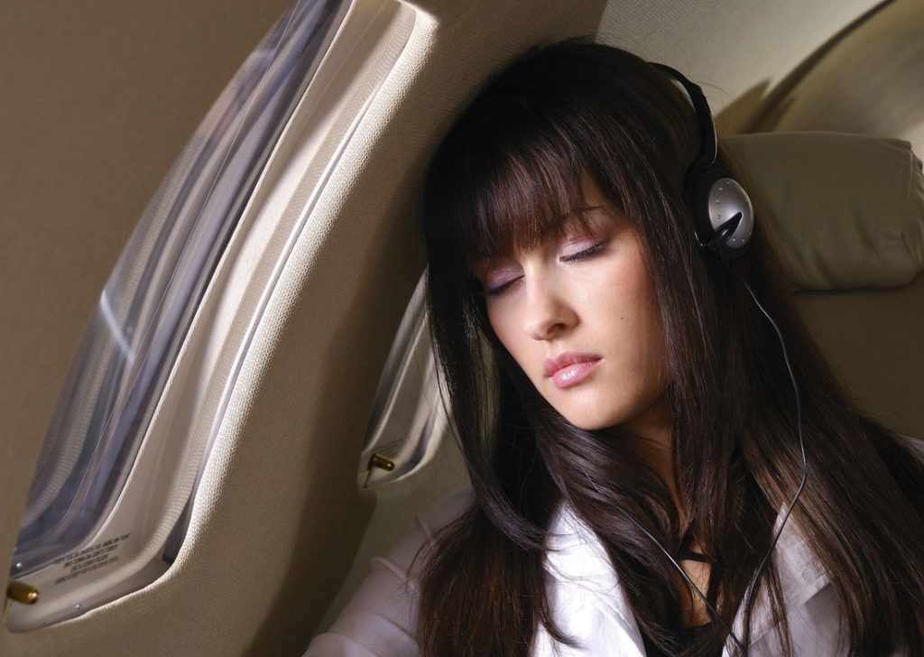 Як позбутися страху перельотів в літаку?
