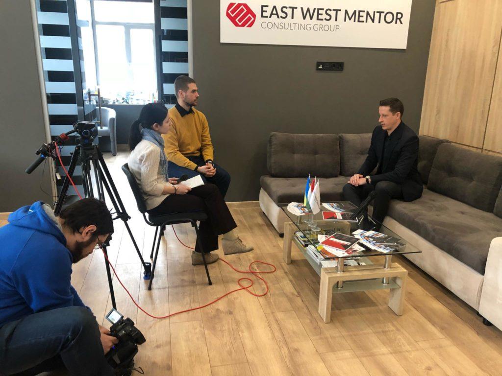 """Золтан Хорват та Ганна Крисюк розповіли про діяльність компанії """"East West Mentor"""""""