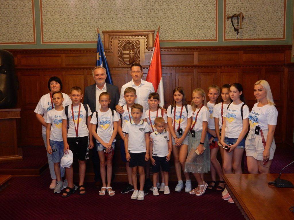Золтан Хорват організував відпочинок для дітей із зони ООС